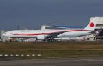 Willieさんが、成田国際空港で撮影した航空自衛隊 777-3SB/ERの航空フォト(写真)
