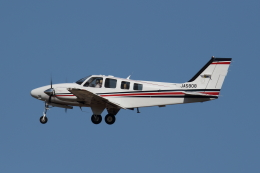 kunimi5007さんが、仙台空港で撮影した航空大学校 Baron G58の航空フォト(飛行機 写真・画像)