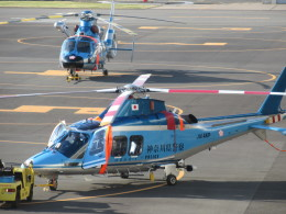 ランチパッドさんが、横浜ヘリポートで撮影した神奈川県警察 AW109SPの航空フォト(飛行機 写真・画像)