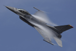 eikas11さんが、新田原基地で撮影したアメリカ空軍 F-16CM-50-CF Fighting Falconの航空フォト(写真)