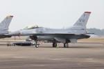 ゆう改めてさんが、新田原基地で撮影したアメリカ空軍 F-16CM-50-CF Fighting Falconの航空フォト(写真)