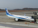 そら33さんが、広島空港で撮影した全日空 737-881の航空フォト(飛行機 写真・画像)