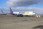 北の熊さんが、新千歳空港で撮影したアトラス航空 767-375/ERの航空フォト(飛行機 写真・画像)