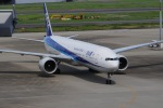 リンリンさんが、羽田空港で撮影した全日空 777-381/ERの航空フォト(写真)