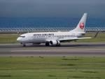 リンリンさんが、中部国際空港で撮影した日本航空 737-846の航空フォト(写真)