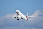 T.Sazenさんが、伊丹空港で撮影したジェイ・エア ERJ-190-100(ERJ-190STD)の航空フォト(写真)