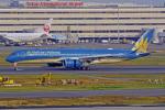 tkosadaさんが、羽田空港で撮影したベトナム航空 A350-941XWBの航空フォト(写真)
