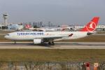 武彩航空公司(むさいえあ)さんが、アタテュルク国際空港で撮影したターキッシュ・エアラインズ A330-202の航空フォト(飛行機 写真・画像)