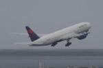 kuro2059さんが、羽田空港で撮影したデルタ航空 777-232/ERの航空フォト(写真)