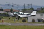 kuro2059さんが、名古屋飛行場で撮影した日本法人所有 A36 Bonanza 36の航空フォト(飛行機 写真・画像)
