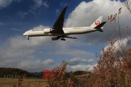 ケンジウムさんが、広島空港で撮影した日本航空 777-346/ERの航空フォト(飛行機 写真・画像)