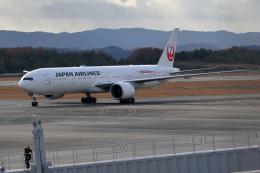 梅こぶ茶さんが、広島空港で撮影した日本航空 777-346/ERの航空フォト(飛行機 写真・画像)