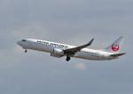 鈴鹿@風さんが、小松空港で撮影した日本航空 737-846の航空フォト(写真)