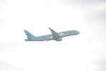 ぼのさんが、成田国際空港で撮影した大韓航空 A220-300 (BD-500-1A11)の航空フォト(写真)
