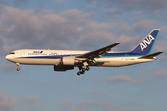 hiko_chunenさんが、成田国際空港で撮影した全日空 767-381/ERの航空フォト(飛行機 写真・画像)