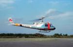 ハミングバードさんが、大島空港で撮影した警視庁 204B(FujiBell)の航空フォト(写真)