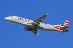 masa707さんが、ロサンゼルス国際空港で撮影したコンパス航空 ERJ-170-200 LR (ERJ-175LR)の航空フォト(写真)
