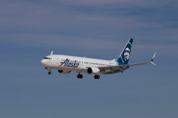 BOSTONさんが、ジョージ・ブッシュ・インターコンチネンタル空港で撮影したアラスカ航空 737-990/ERの航空フォト(飛行機 写真・画像)