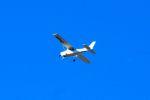 まいけるさんが、東京・浅草上空で撮影した朝日航空 172P Skyhawkの航空フォト(写真)