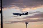 レドームさんが、羽田空港で撮影したタイ国際航空 747-4D7の航空フォト(写真)