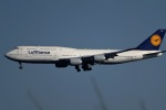 レドームさんが、羽田空港で撮影したルフトハンザドイツ航空 747-830の航空フォト(写真)