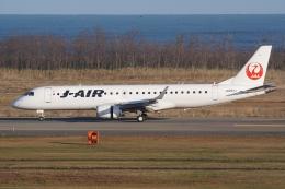 HEATHROWさんが、新潟空港で撮影したジェイ・エア ERJ-190-100(ERJ-190STD)の航空フォト(写真)
