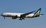 幻想航空 Air Gensouさんが、成田国際空港で撮影したアリタリア航空 777-243/ERの航空フォト(写真)