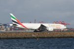 かずまっくすさんが、シドニー国際空港で撮影したエミレーツ航空 777-F1Hの航空フォト(写真)
