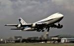 ハミングバードさんが、名古屋飛行場で撮影した全日空 747SR-81の航空フォト(写真)