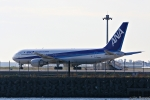 Jin Bergqiさんが、羽田空港で撮影したアメリカ企業所有 767-381の航空フォト(写真)