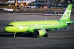DVDさんが、成田国際空港で撮影したS7航空 A320-214の航空フォト(写真)