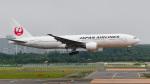 パンダさんが、新千歳空港で撮影した日本航空 777-246の航空フォト(写真)