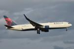 B747‐400さんが、成田国際空港で撮影したデルタ航空 767-332/ERの航空フォト(写真)