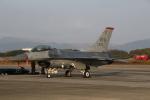ショウさんが、築城基地で撮影したアメリカ空軍 F-16CM-50-CF Fighting Falconの航空フォト(写真)