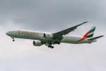 delawakaさんが、シンガポール・チャンギ国際空港で撮影したエミレーツ航空 777-31H/ERの航空フォト(写真)
