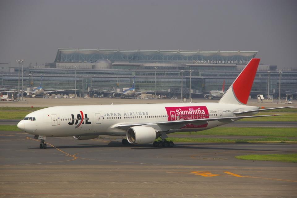 JA8037さんの日本航空 Boeing 777-200 (JA8983) 航空フォト