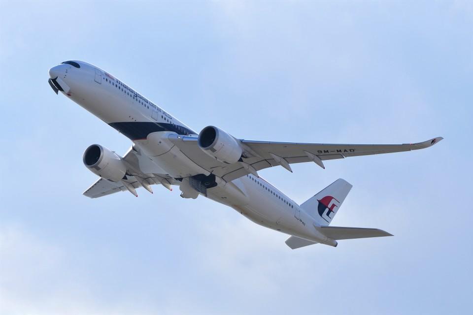 T.Sazenさんのマレーシア航空 Airbus A350-900 (9M-MAD) 航空フォト