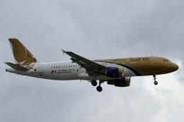 rjジジィさんが、ロンドン・ヒースロー空港で撮影したガルフ・エア A320-214の航空フォト(飛行機 写真・画像)