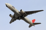 bushitsukeさんが、函館空港で撮影した日本航空 777-246の航空フォト(写真)
