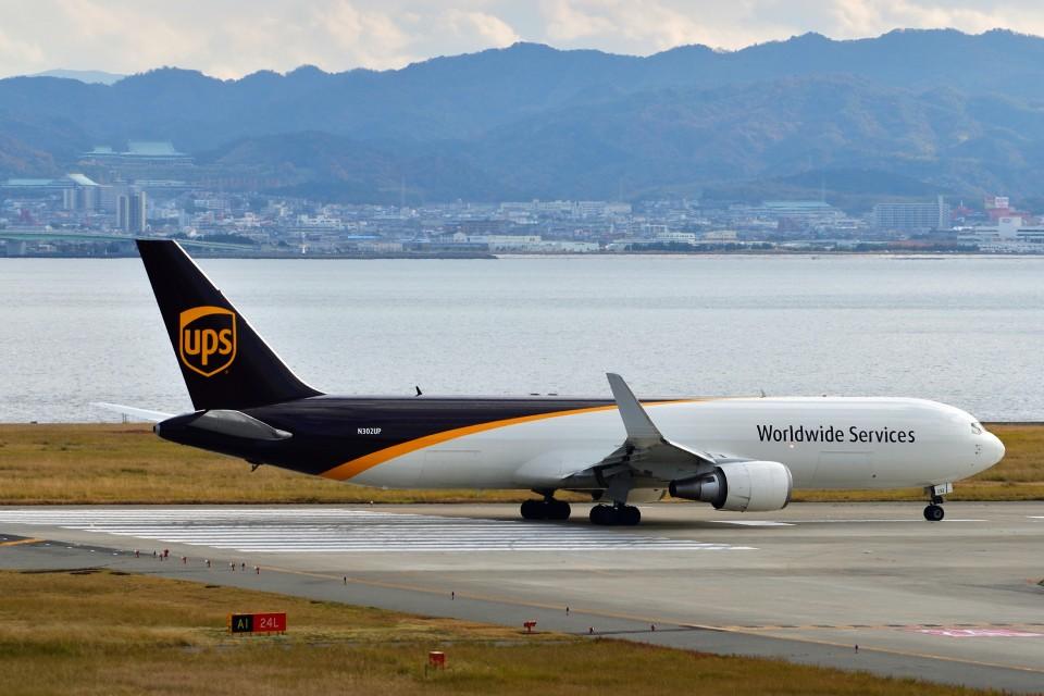 T.SazenさんのUPS航空 Boeing 767-300 (N302UP) 航空フォト