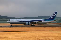 myoumyoさんが、熊本空港で撮影した全日空 767-381/ERの航空フォト(飛行機 写真・画像)