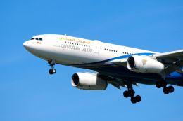 まいけるさんが、スワンナプーム国際空港で撮影したオマーン航空 A330-243の航空フォト(飛行機 写真・画像)