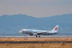 T.Sazenさんが、関西国際空港で撮影した中国国際航空 A320-214の航空フォト(飛行機 写真・画像)