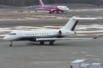 SFJ_capさんが、新千歳空港で撮影したアルバ企業所有 BD-700-1A11 Global 5000の航空フォト(写真)