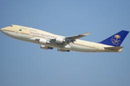 KAZKAZさんが、キング・アブドゥルアジズ国際空港で撮影したサウディア 747-481の航空フォト(飛行機 写真・画像)