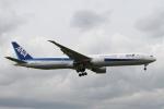rjジジィさんが、ロンドン・ヒースロー空港で撮影した全日空 777-381/ERの航空フォト(写真)