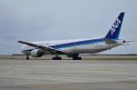 南国の防人さんが、那覇空港で撮影した全日空 777-381の航空フォト(写真)