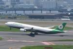 kuro2059さんが、羽田空港で撮影したエバー航空 A330-302の航空フォト(写真)