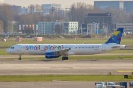 航空フォト:D-ASPC スモール・プラネット・エアラインズ・ジャーマニー A321