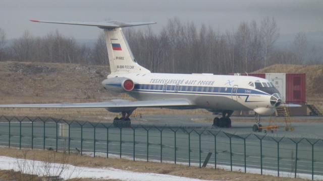 mealislandさんが、ウラジオストク空港で撮影したロシア海軍 Tu-134Shの航空フォト(飛行機 写真・画像)